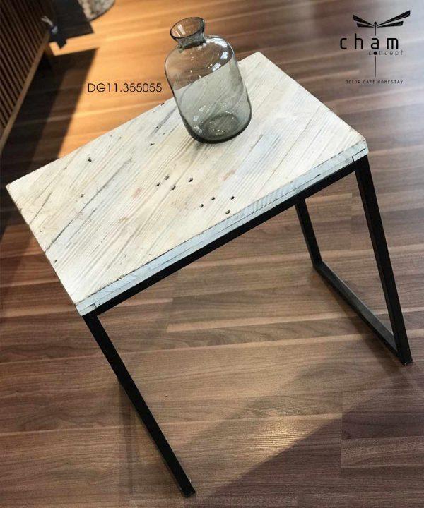 Bàn gỗ chân sắt DG11 4